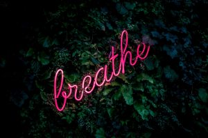 Neon sign Breathe